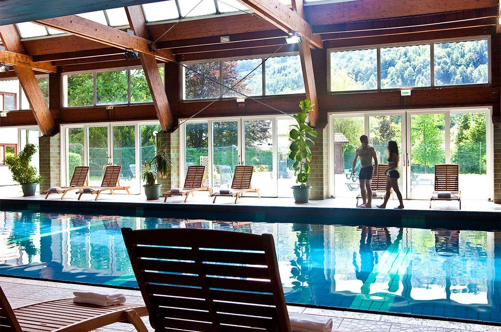 Piscine de la résidence de vacances Les Vallées dans la Bresse