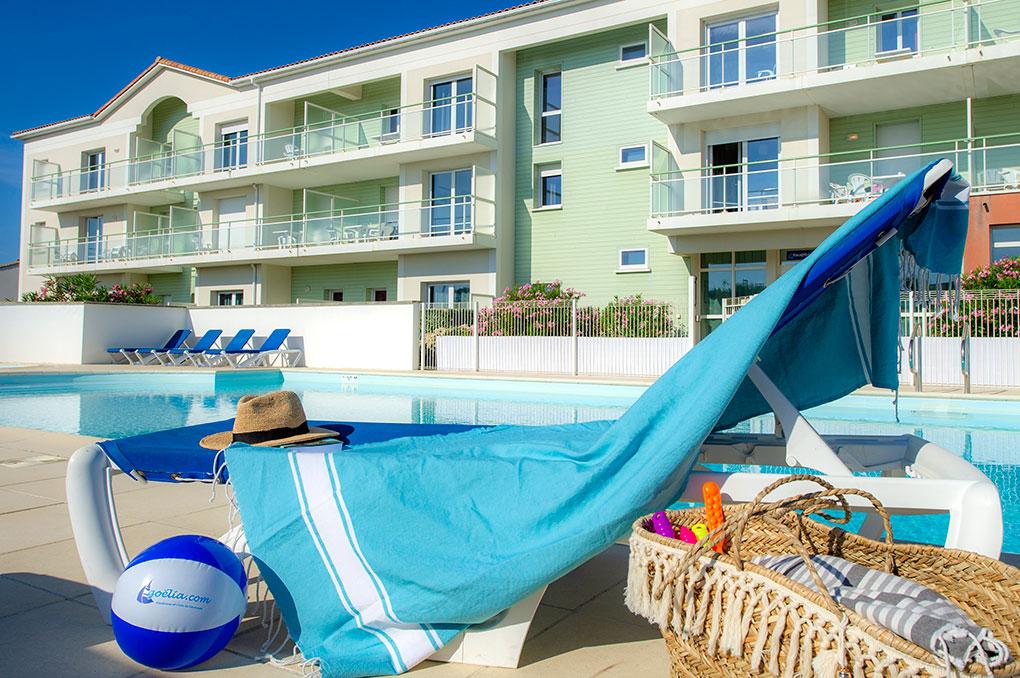La piscine chauffée de la résidence de vacances Goelia La Grande plage à St Gilles Croix de vie