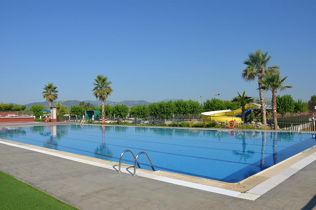 Piscine de la résidence Els pins resort à Malgrat del Mar