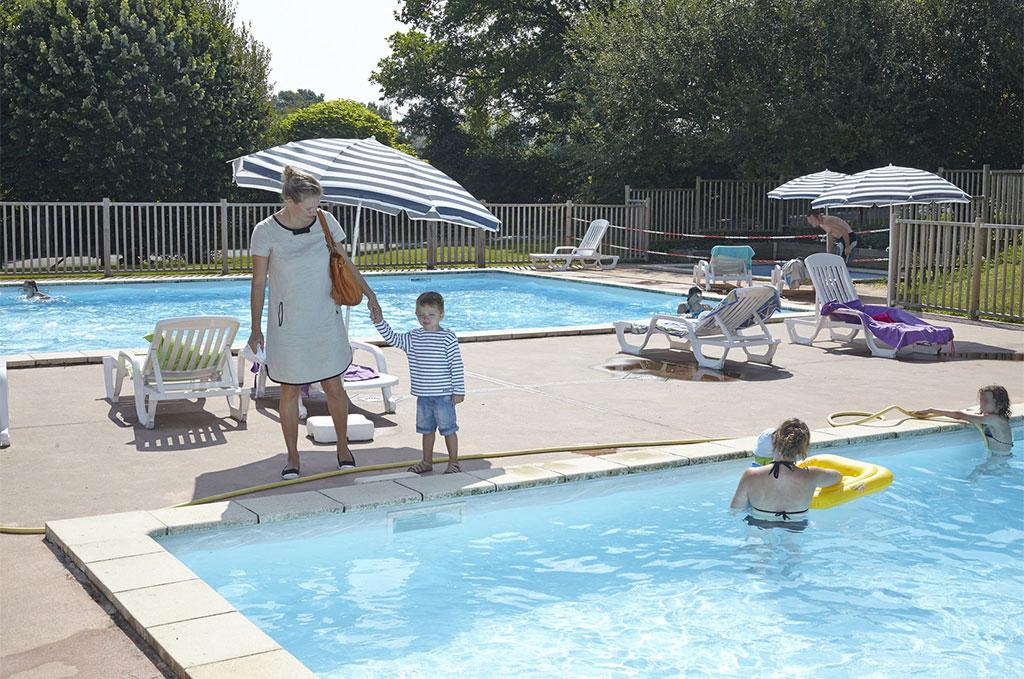 La piscine de la résidence de vacances Natura Resort Pescalis à Moncoutan
