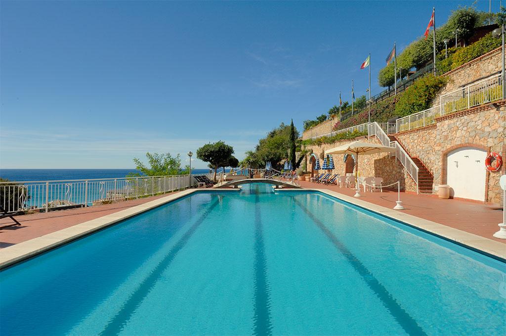 La piscine de la résidence de vacances Sant'Anna