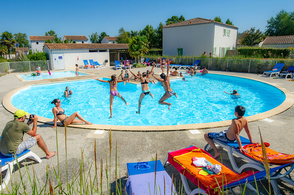 The swimming pool at La Palmeraie Goélia holiday complex in Saint Georges d'Oléron