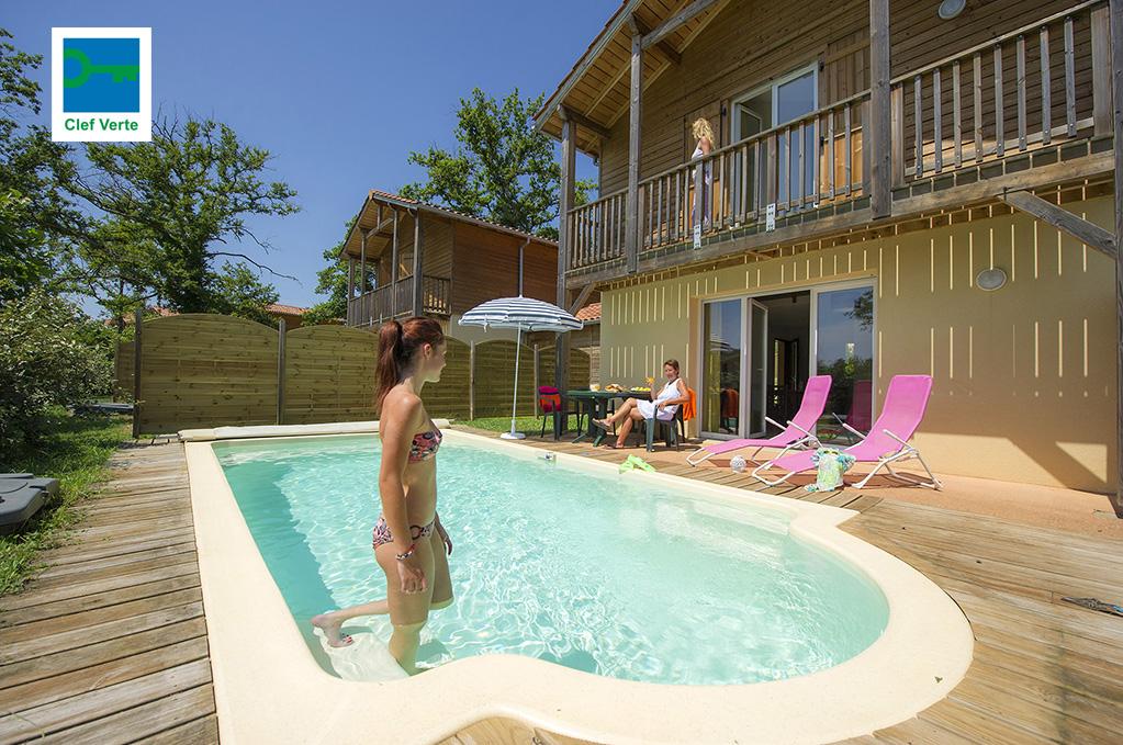 Exemple de villas avec piscine privative ! Résidence de vacances Goelia Les maisons du Golf d'Armagnac à Eauze.
