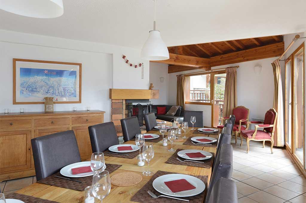 Chalet 15 pers. : Exemple de salle à manger de la résidence de vacances Les Chalets des Deux Domaines aux Arcs-Peisey Vallandry