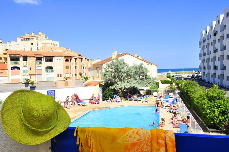 Sea view and outdoor swimming pool -Le Grand Bleu Goélia holiday complex in Port Barcarès.