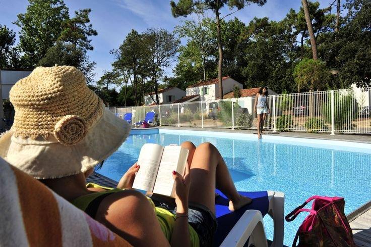 Piscine la résidence de vacances Goelia le Domaine des Oyats à Longeville sur Mer