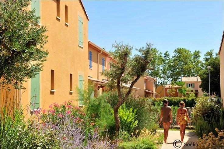 Villas jumelées, résidence de vacances Goélia Le Mas des Arènes aux Baux de Provence/ Mouriès