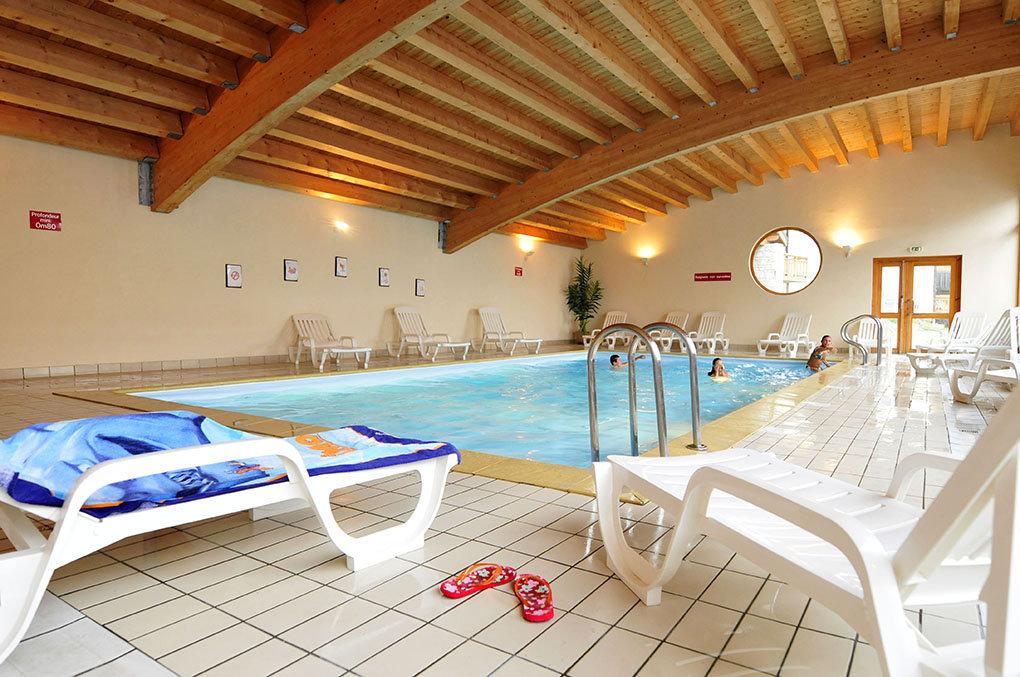 La piscine intérieure chauffée de la résidence Goelia les 4 Vallées à St François Longchamp