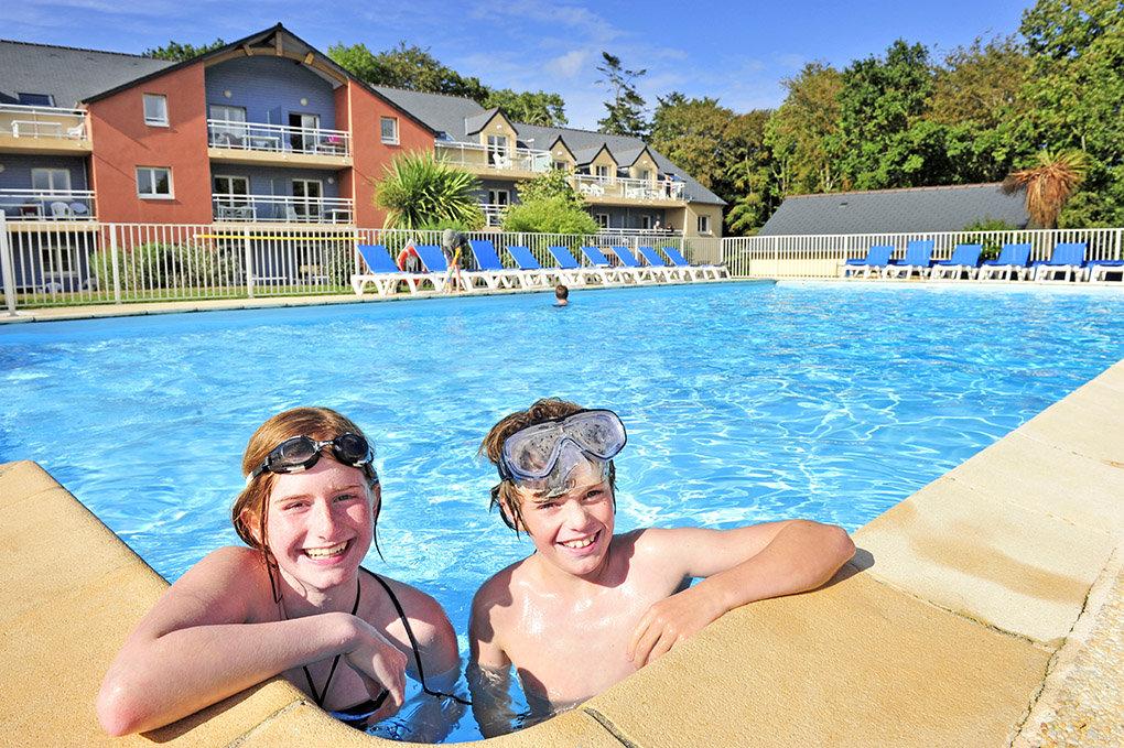 La résidence du Golf de Goelia à Carantec pour vos vacances en Bretagne, avec piscines chauffées