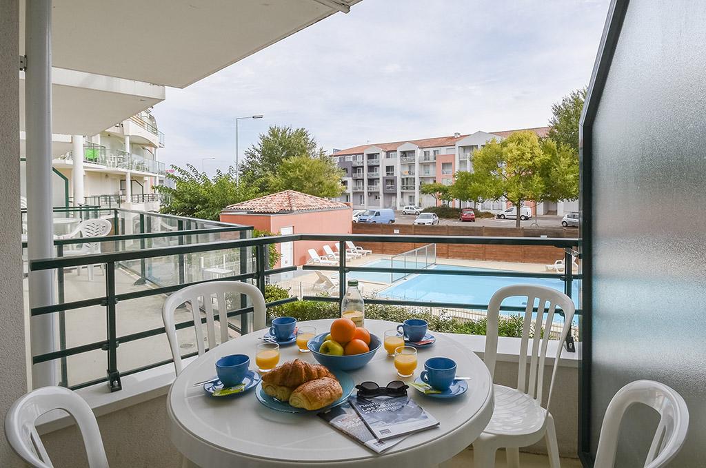 Exemple de terrasse d'un appartement de la résidence Les Jardins de l'Amirauté aux Sables d'Olonne