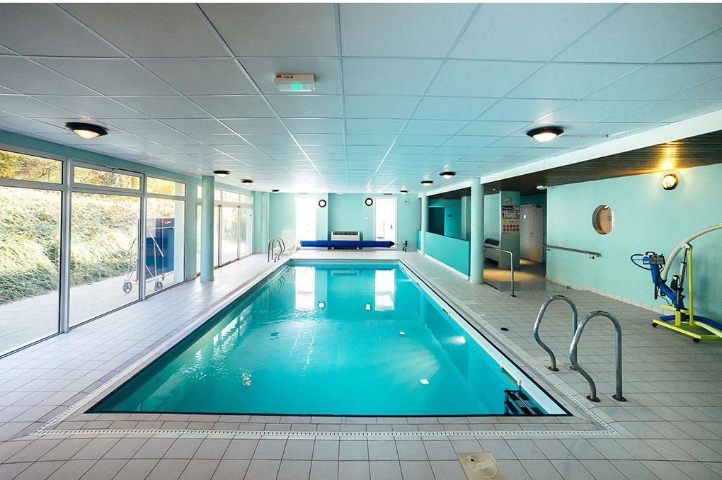 La piscine intérieure chauffée de la résidence de vacances Le Royal à Mooslargue